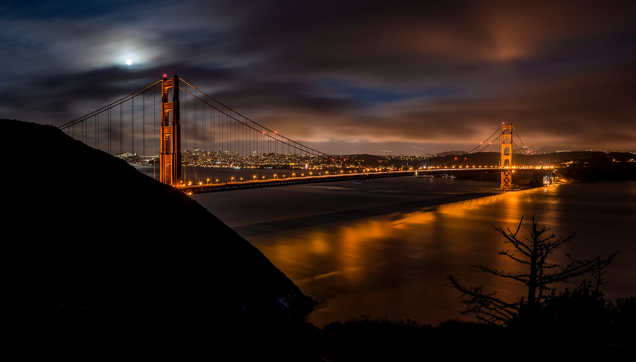 """super"" moon 