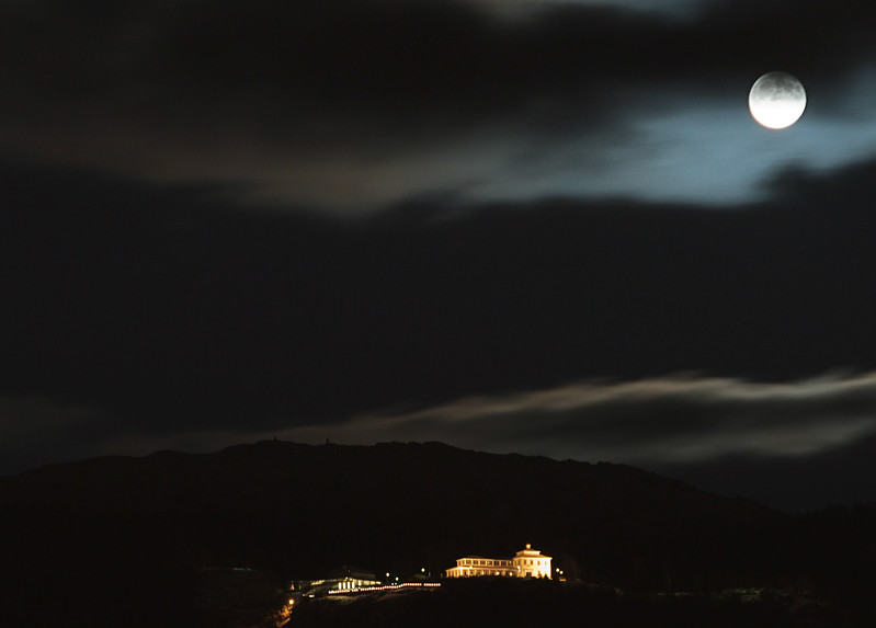 Moon Rise over Fløyen