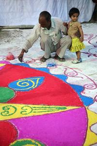 Finishing designs for Holi Festival, Bundi