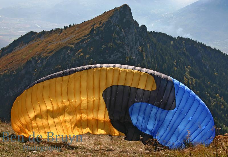 Paragliding in Leysin