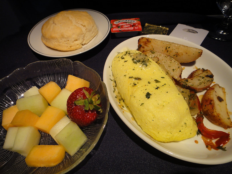 First Class Breakfast on American Airlines - Austin to Los Angeles