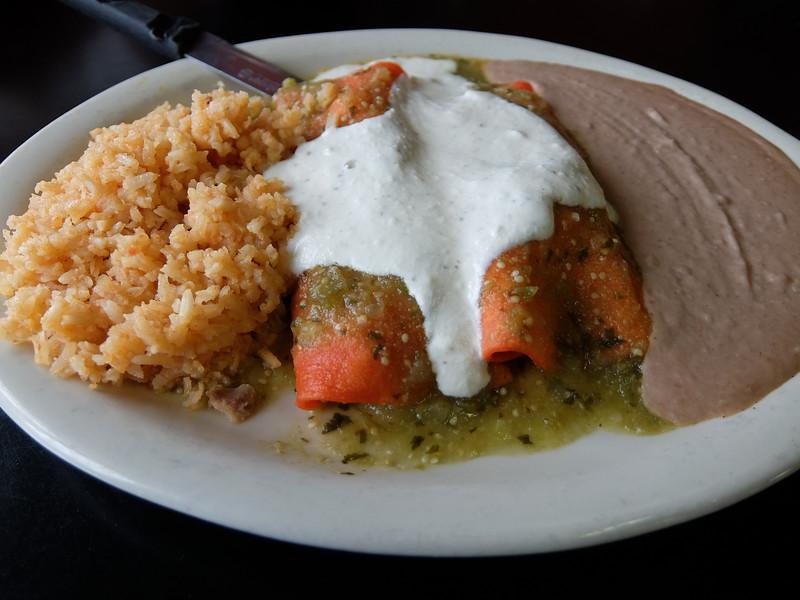 Enchiladas, El Mercado - Austin, Texas (Fujifilm XQ1)