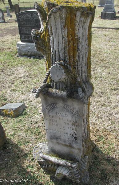 3-6-16:Tree gravestone,  Antioch Church, Fort Lynne