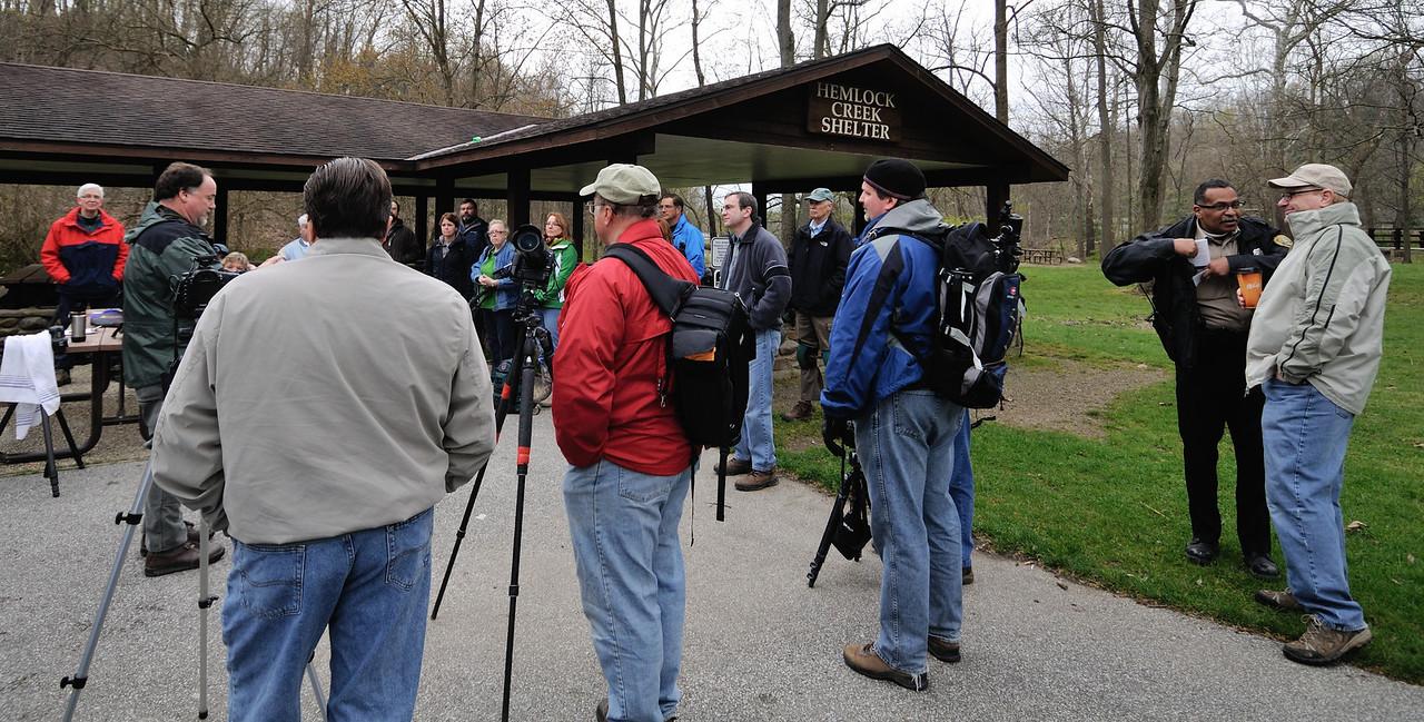 Jim giving photo tips at the CVPS Photo Walk - Hemlock Trail