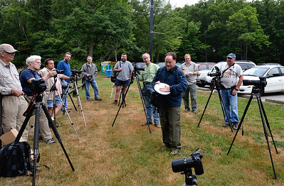 Jim Roetzel shows how he can get a reflector to stick to his hand at the Cuyahoga Valley Photo Society Photo Walk in Brecksville!