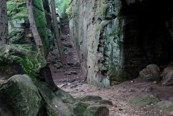 Whipps Ledges narrow passage