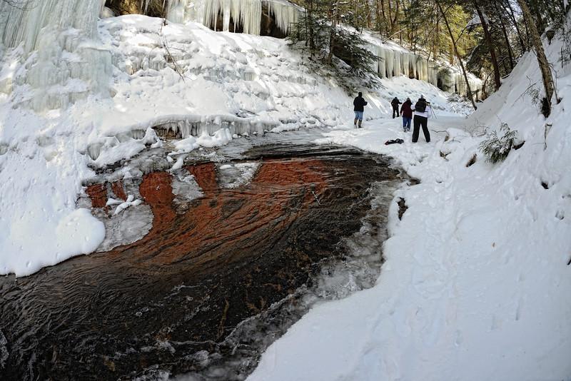 A Winter Hike through the Penitentiary Glen Gorge - Stoney Creek