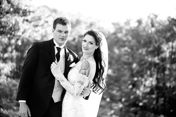 Bride and Groom on Lake Michigan | Rayan Anastor Photography | Michigan Wedding Photographer