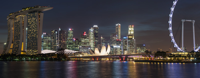 Marina Bay Sands Hotel in front of skyline, Singapore