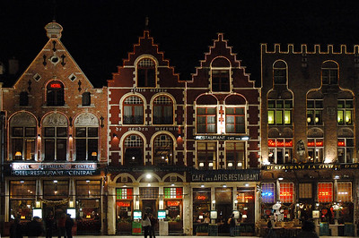 Brügge Marktplatz bei Nacht