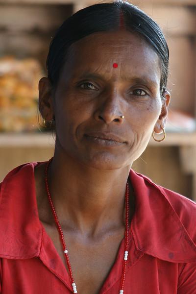 NEPALESE LADY. CHITWAN.