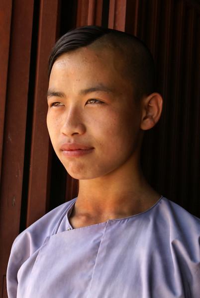 Vietnam - by JeeWee - Linh Mu Pagoda - 13-05-09 Monk Chung (15 years old). credits: Jan Willem van Hofwegen