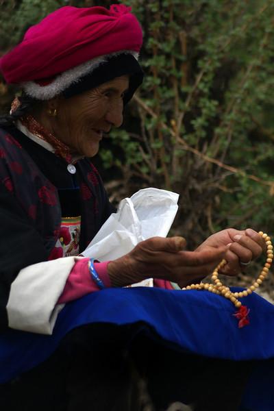 OLD YUNNAN LADY. SHANGRI-LA. YUNNAN. CHINA.