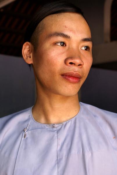 HuŽ, Vietnam - by JeeWee - Linh Mu Pagoda - 13-05-09 Monks Sa en Chung. credits: Jan Willem van Hofwegen