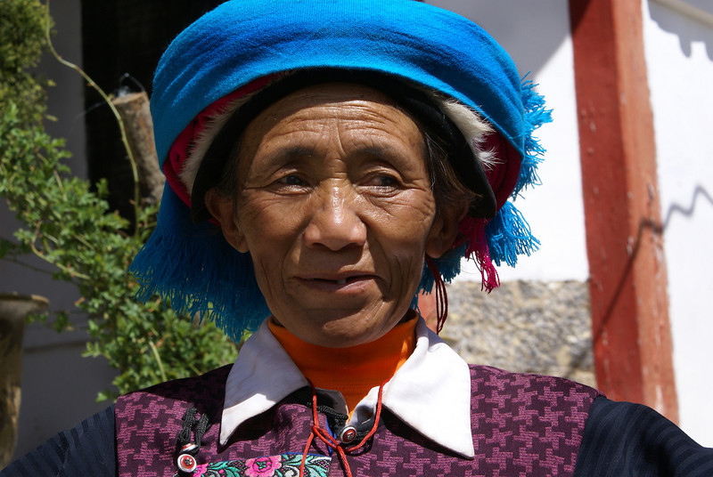 OLD MINORITY LADY. SHANGRI-LA. YUNNAN. CHINA.