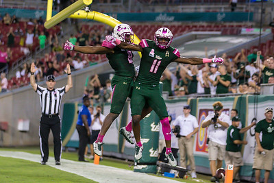 South Florida Bulls V Connecticut Huskies