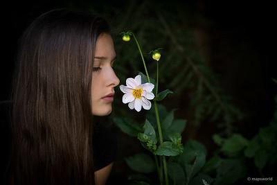 Lara Flower