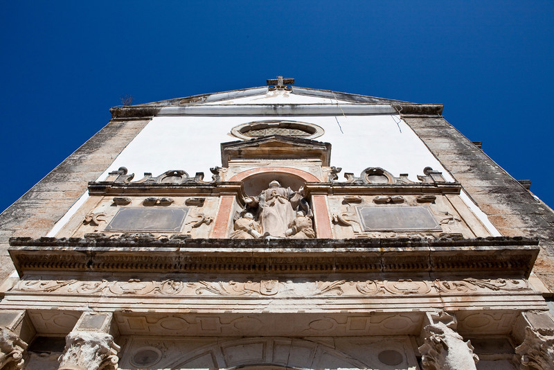 OBIDOS. FACADE OF THE SANTA MARIA CHURCH.