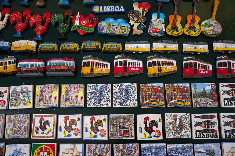 LISBON. PORTUGAL. TOURIST MERCHANDISE. LISBON MAGNETS. [2]