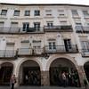HOUSES ALONG THE PRACA DO GIRALDO. EVORA. ALENTEJO. PORTUGAL.