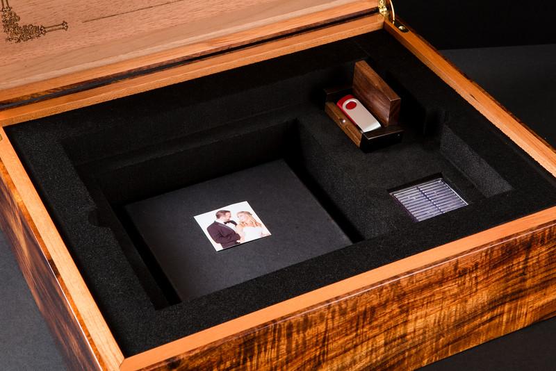 Alan Arora - Aarora ShowCase presentation boxes