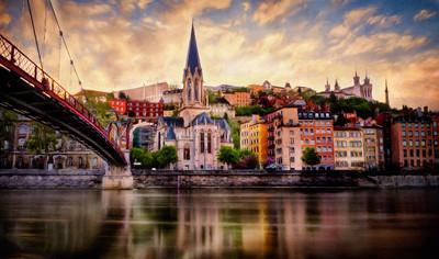 Lyon as a Reverence