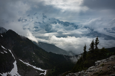 Boiling clouds around Glacier Peak, Washington Cascades