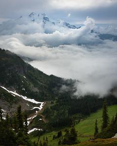 Stormy weather around Glacier Peak, central Washington Cascades