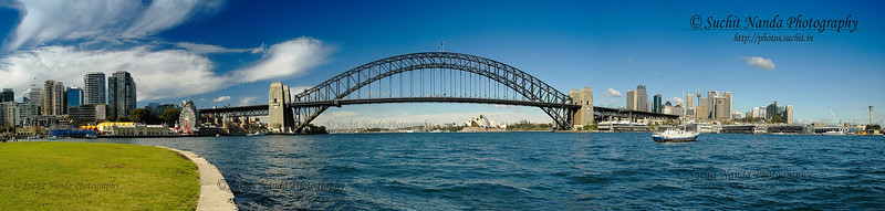 Sydney Harbour, Australia.   http://photos.suchit.in/photos/162084199-O.jpg