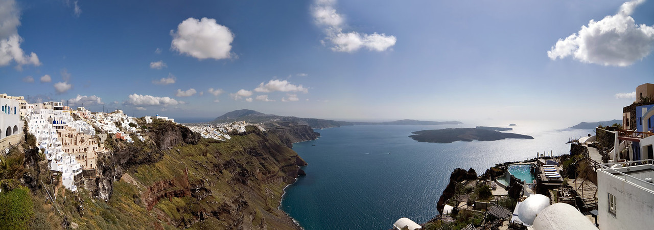 <b><font>Santorini | Greece</font></b> Captivating views of the kaldera!