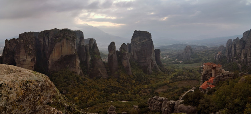 <b><font>Meteora | Greece</font></b> A geological phenomenon gave rise to those standing rocks, used as points for many monasteries to be built