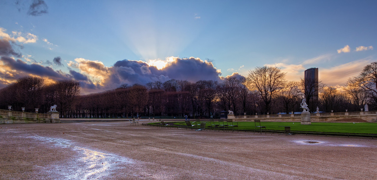 Jardin du Luxembourg Photo by Roman Betik from the blog http://www.StillGlimmers.com/