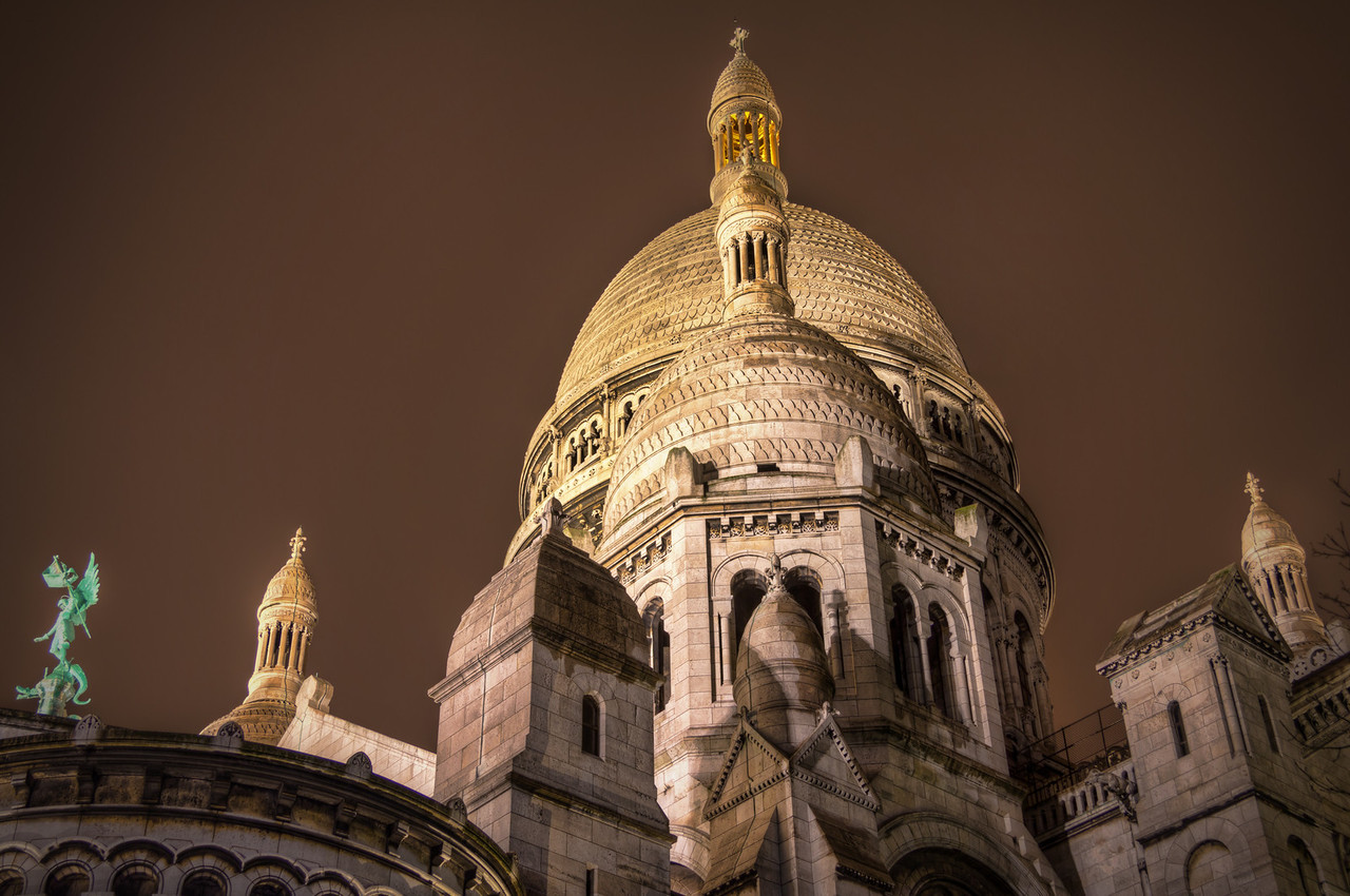 Sacre Coeur Photo by Roman Betik from the blog http://www.StillGlimmers.com/