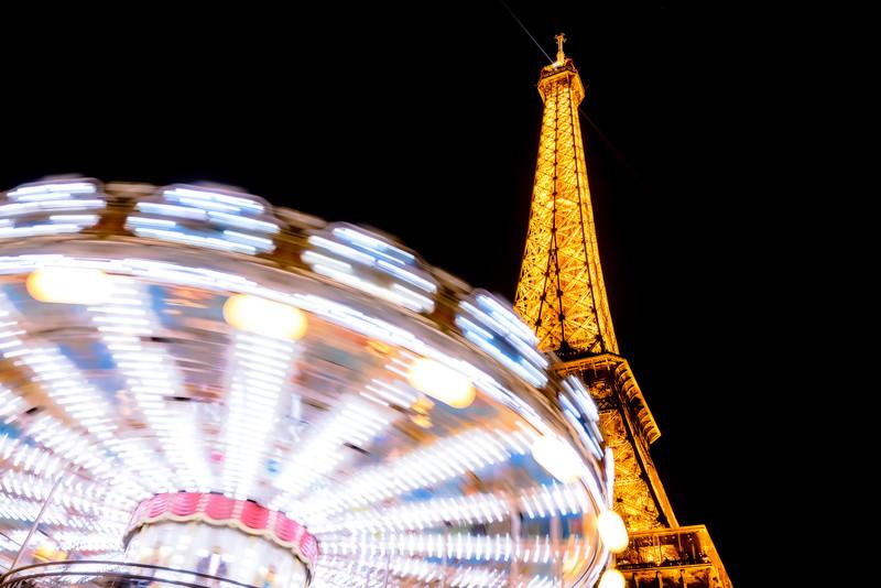 Carrousel at the Eiffel Tower (Paris, France)