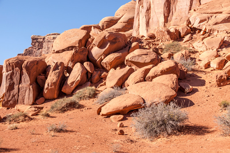 Park Avenue rock formations in early morning light in Arches National Park in Utah.