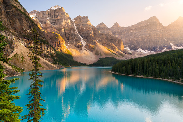Magnificent Moraine Lake