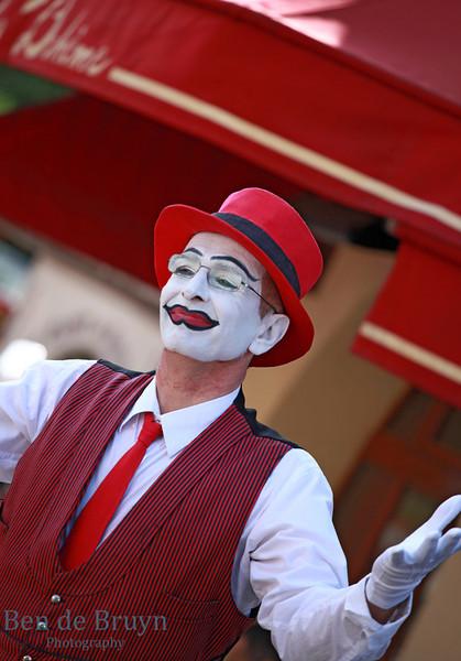 Paris: Montmartre clown 2 July 2012