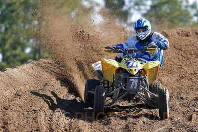 Seminole Motocross Track 2009 | Okeechobee City, FL Canon EOS 1D Mark II | Canon EF 70-200mm F2.8 L IS USM | EF 1.4x II Extender 1/500s | f/4.5 @ 280mm | ISO 100