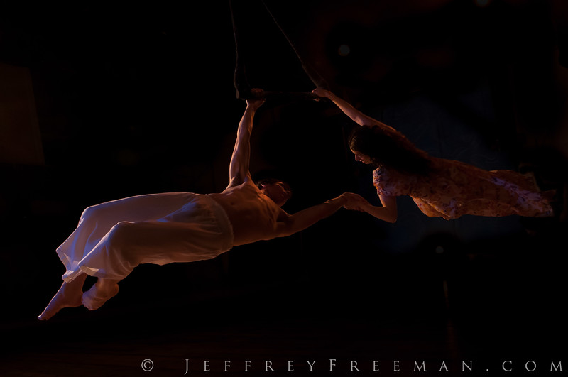 Do Jump - Physical Theatre: Trapeze 1