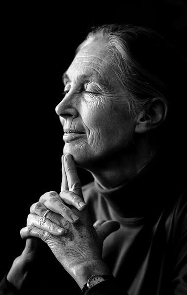 Dr  Jane Goodallbw