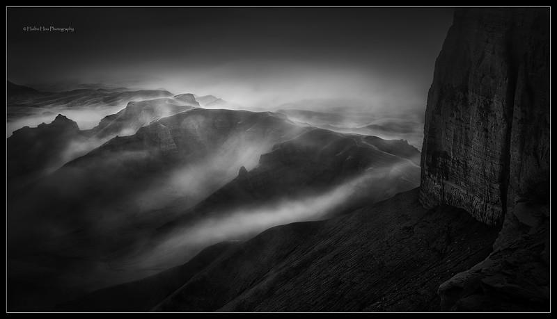 Badlands fog,  Utah, USA