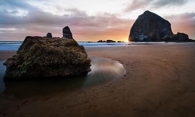 Barnacle Beach - Cannon Beach, Oregon