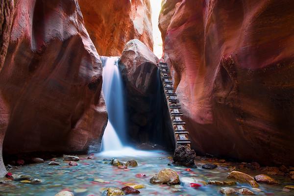 Log Climb - Kanarraville, Utah