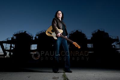 Bellingham Portrait Photographer - Singing The Blues