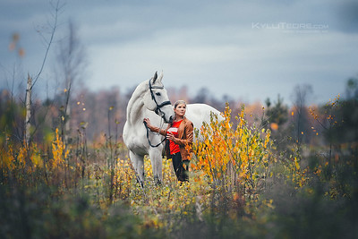 Janely & Ilsonne. Valgeranna/Pärnu, October 2019. Photo: Kylli Tedre-Gavrilov / www.kyllitedre.com