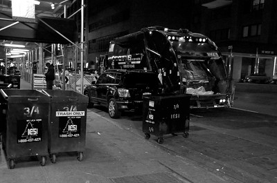 Day 204 -I don't know what it is about garbage day that I find so facinating, but it kind of neat.  Unless it's 2:00am and they're still outside dropping dumpsters that come crashing to the ground.  It's no easy task, so God bless the NY garbage men.  Giving up color for Lent
