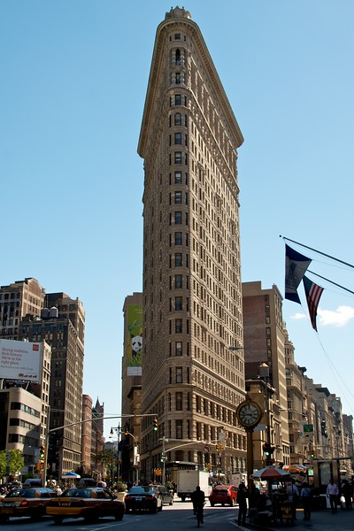 Day 246 -The Flatiron building.  Always a crowd pleaser especially on a beautiful day and lunch at Eisenberg's.