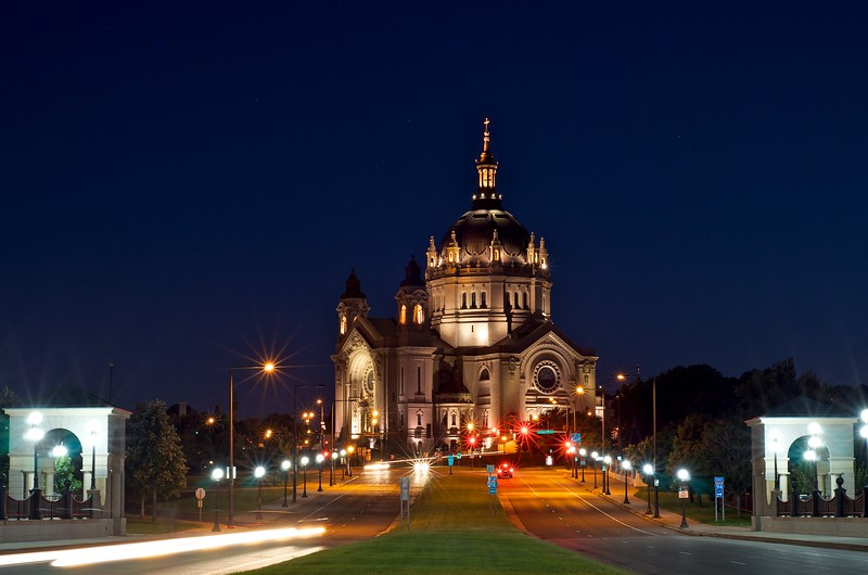 Day 350 -well I guess I'm down to 15 days.  I've been eyeing the St. Paul Cathedral for 2 months.  Tonight seemed like the right night.  I had to change lenses, but it appears to be worth it.  This goes out to my friends who knew the old pope.  I always think of them when I see a beautiful Catholic church.