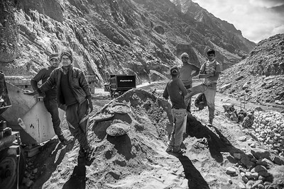 Many of the labourers who build roads across the mountains in Ladakh are migrants from Bihar, Chhattisgarh and Jharkhand; they work from May to mid-October in extremely difficult high-altitude terrain.
