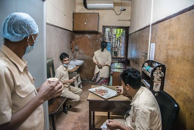 Ward assistants taking a tea break. Many of them are staying in the hospital premises since the lockdown began. Either because there are no regular train services serving their villages, or to escape harassment from their neighbours.